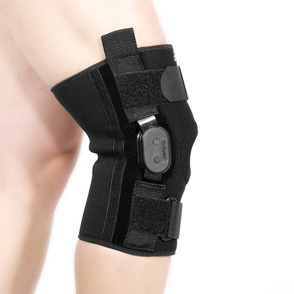 McDavid steznik za koleno sa metalnim ojacanjem
