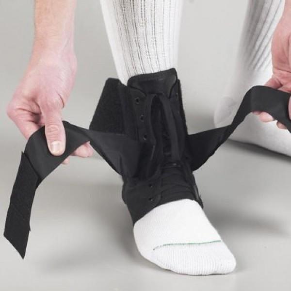 Ortoza steznik za skocni zglob sa pertlama